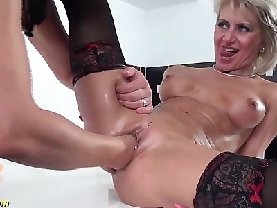 skinny milfs first brutal pussy fisting